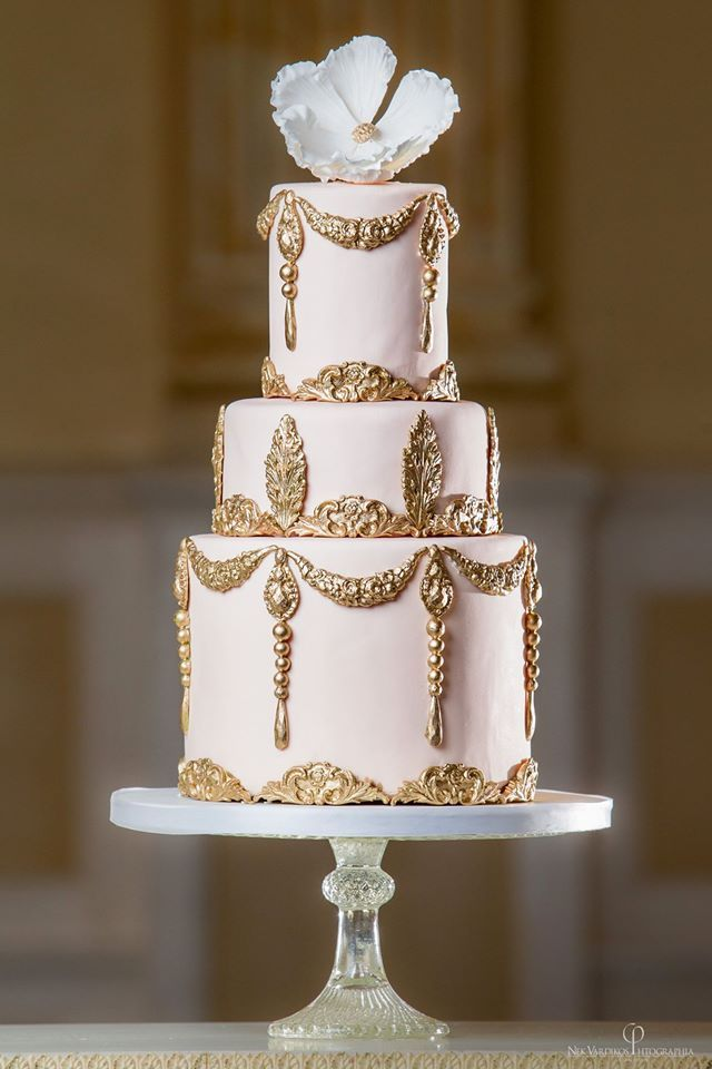 meaning of wedding cake colors wedding cakes with vintage touches modwedding 17243
