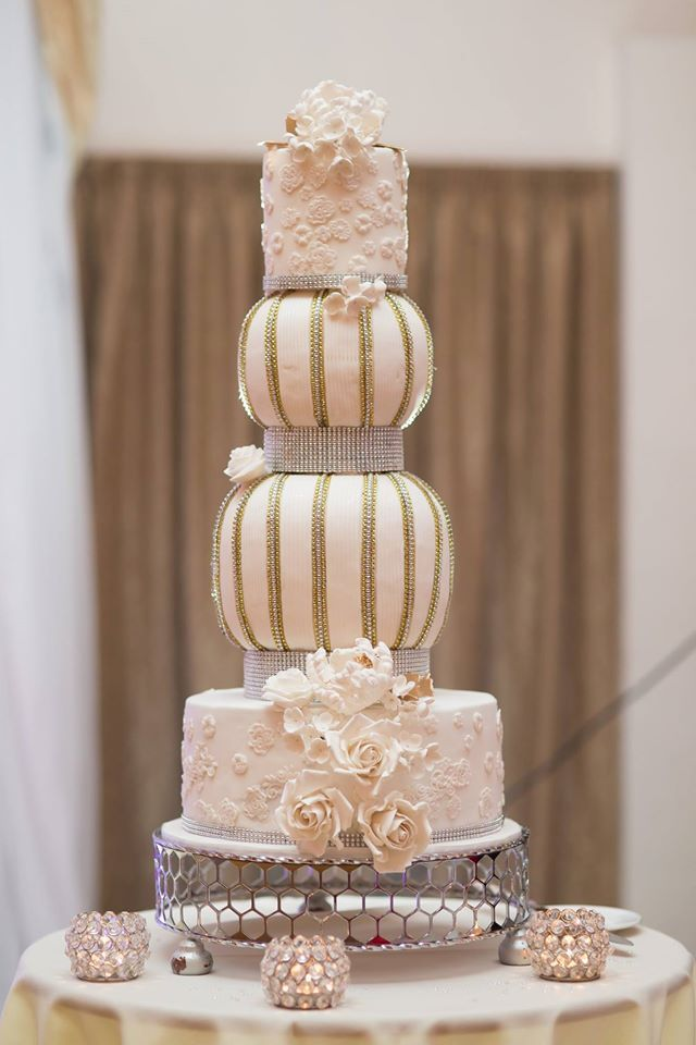 Elegant Wedding Cakes With Vintage Touches MODwedding