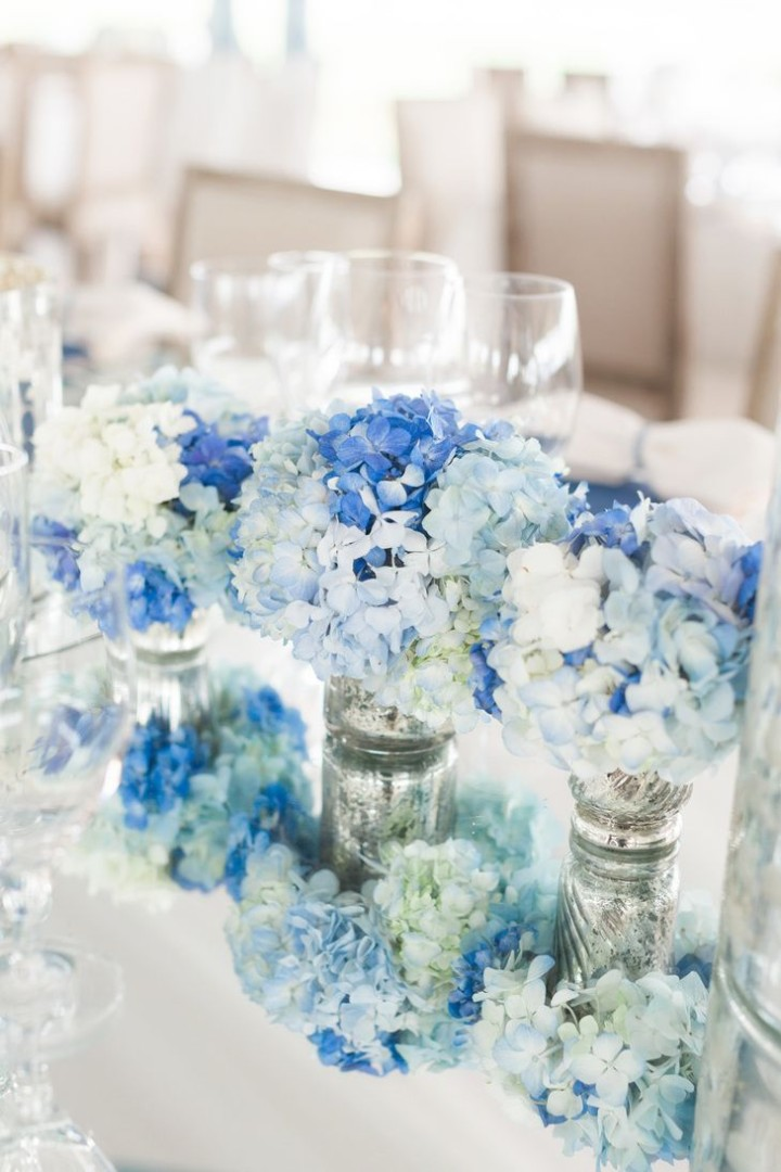 Elegant and unique wedding decorating ideas modwedding for Baby blue wedding decoration ideas