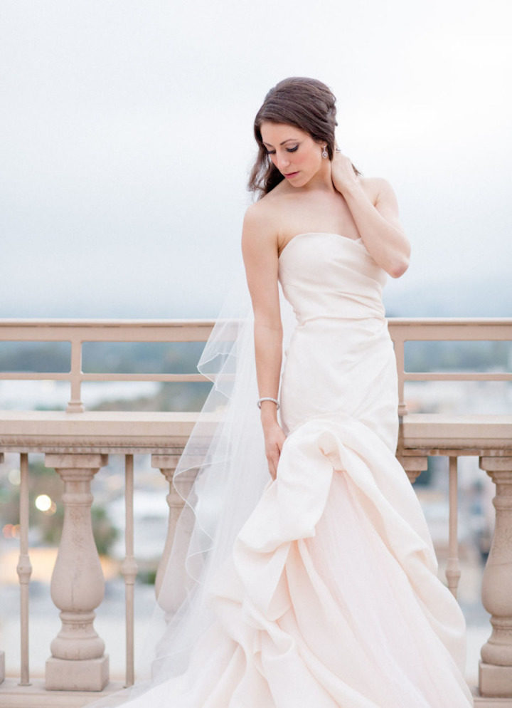 Elegant and luxurious beverly hills wedding modwedding for Beverly hills wedding dresses