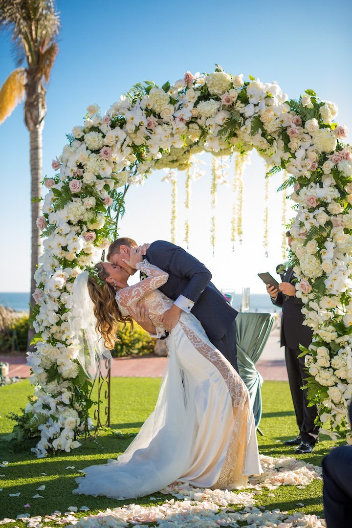 Sunny California Wedding With Royal Vibes Modwedding