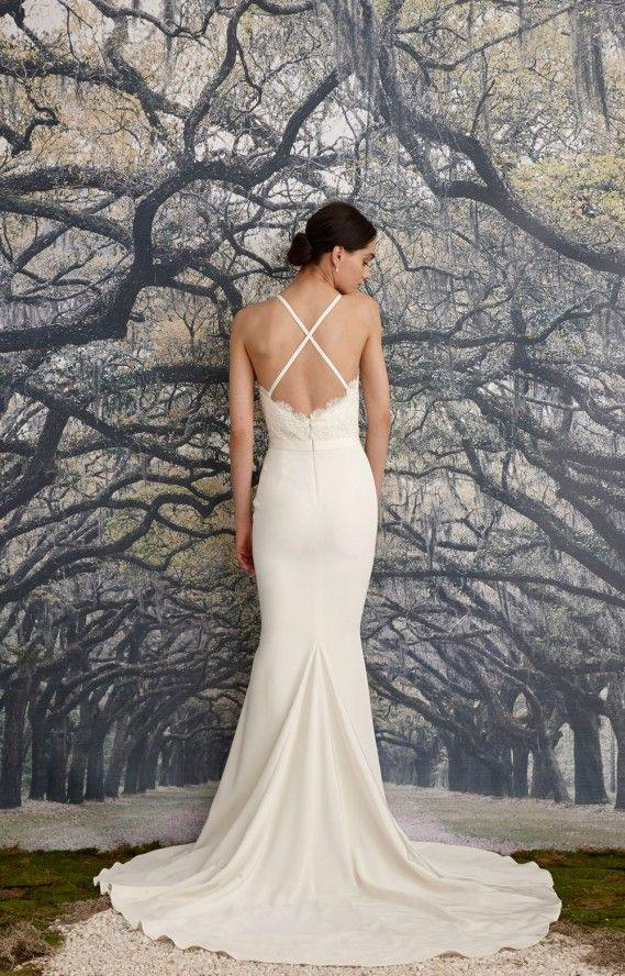 backless-wedding-dress-12-082515ch