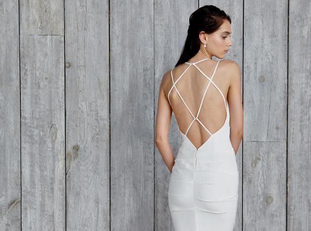 backless-wedding-dress-14-082515ch