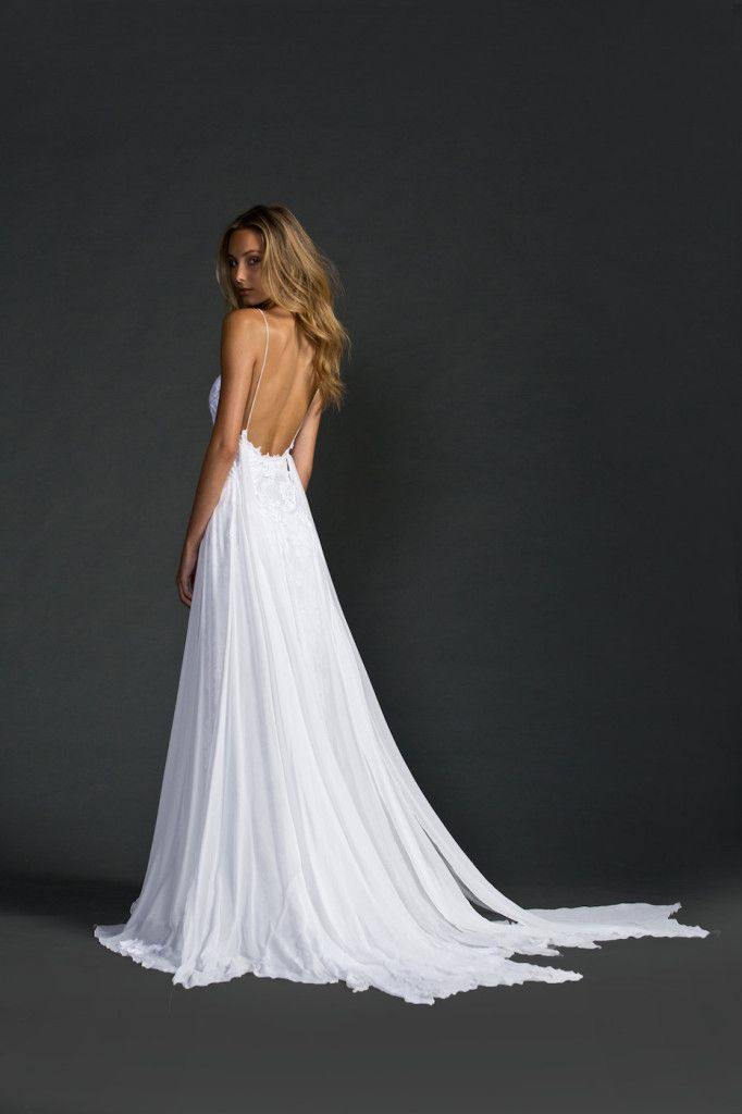 backless-wedding-dress-18-082515ch