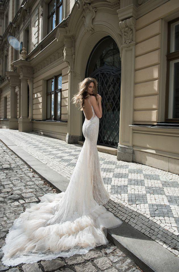 backless-wedding-dress-5-082515ch