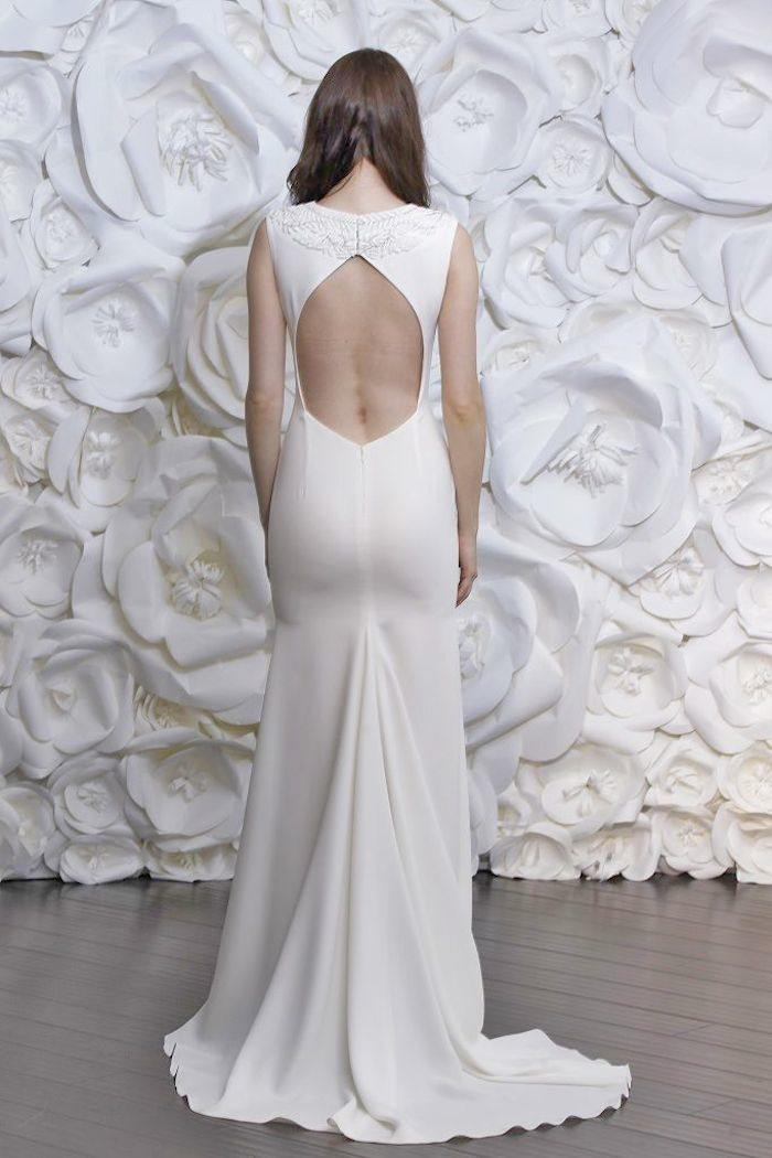 Backless wedding dresses with sexy details modwedding for Very sexy wedding dresses