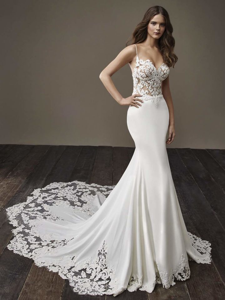 Glamorously modern badgley mischka wedding dresses bride for Beautiful fitted wedding dresses