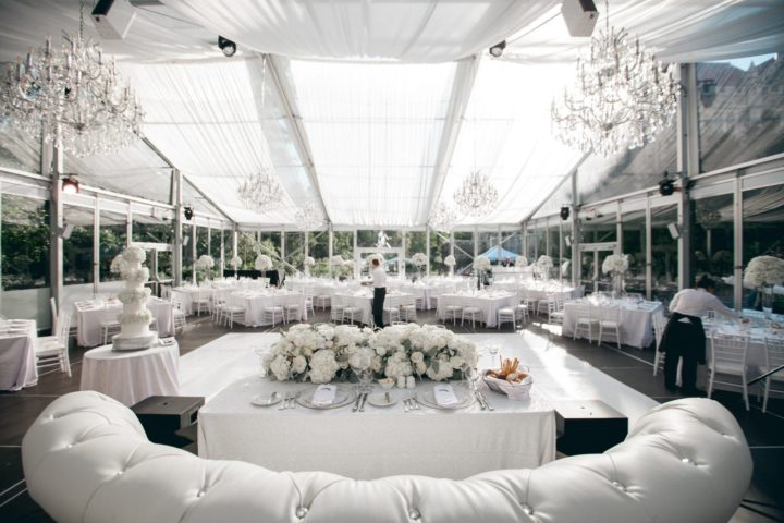 Glamorous white toronto wedding from agi studio modwedding for 720 salon celebration fl