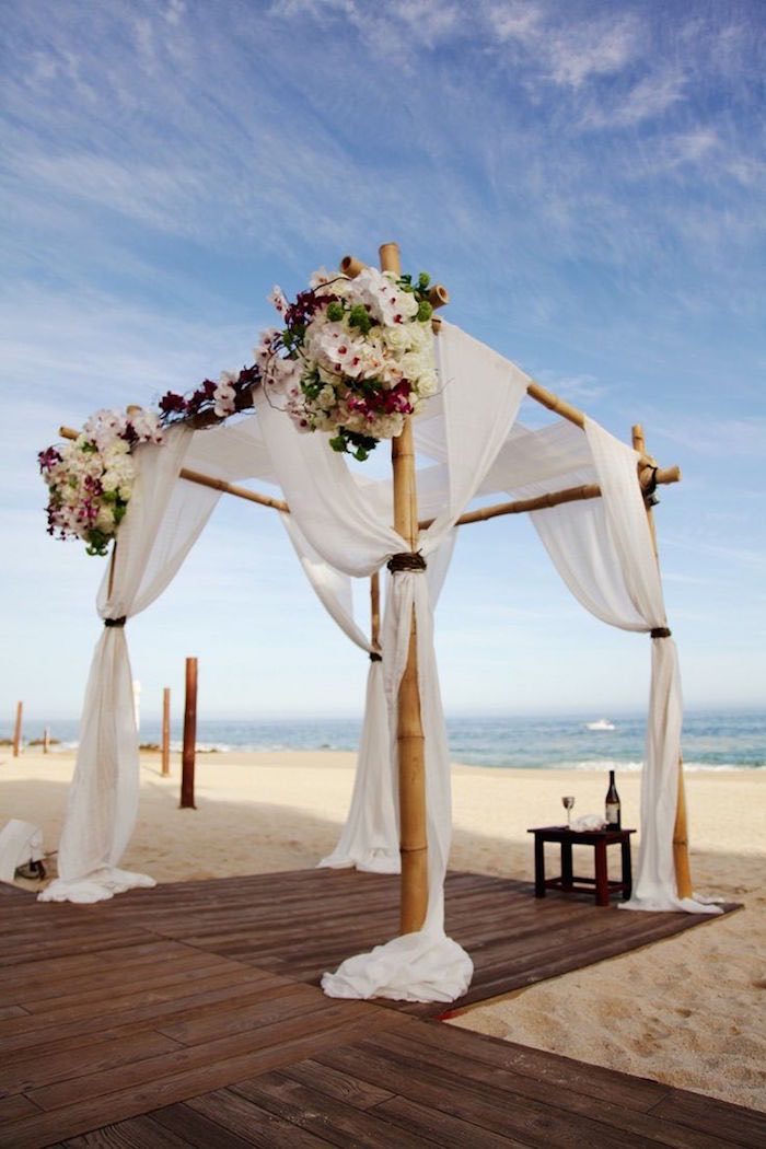 Stunning beach wedding ceremony ideas modwedding for Ideas for your wedding