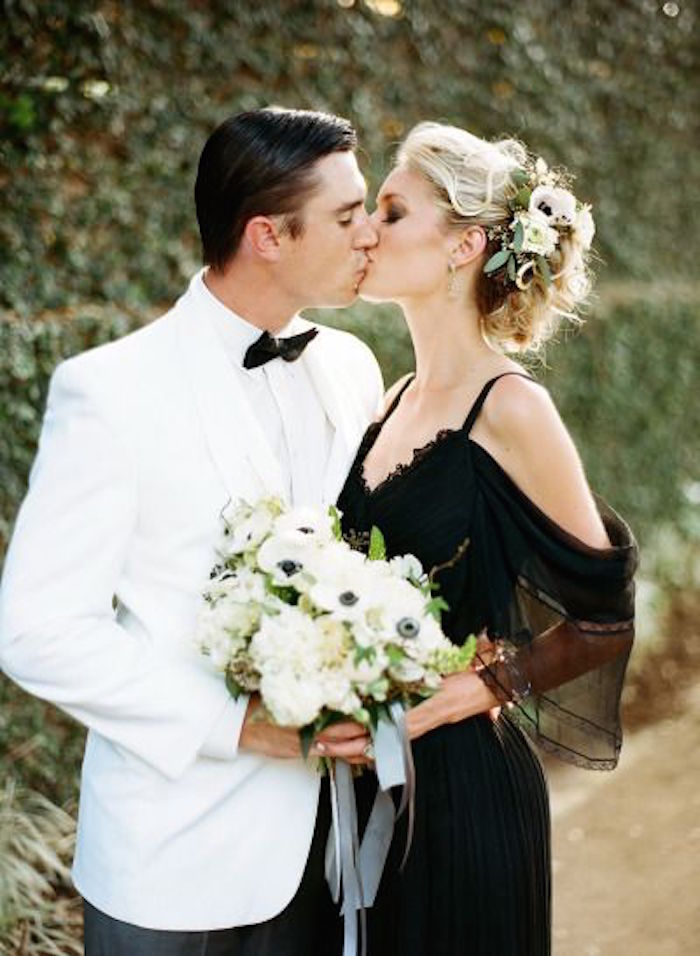 Black and white wedding ideas to love modwedding for Black and white ideas