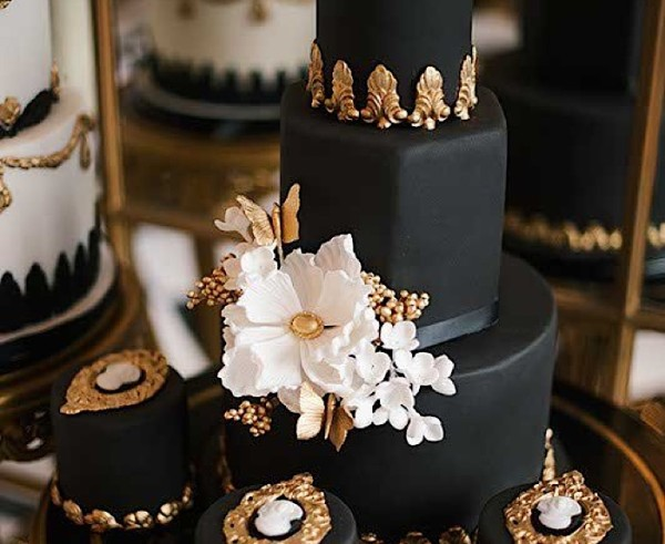 Glamorous Wedding Cakes Intricate Details