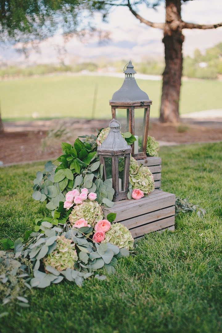 California wedding with rustic chic decor modwedding for Rustic outdoor decorating