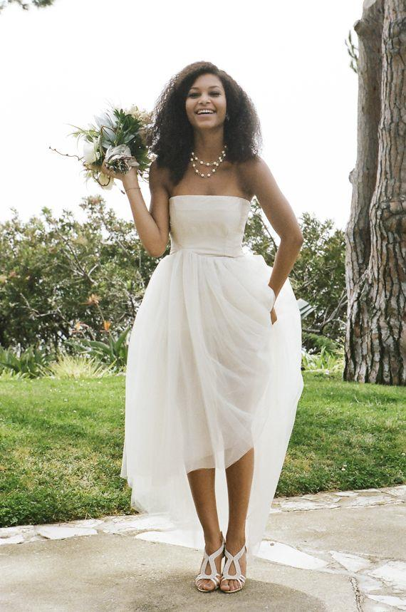Casual beach wedding dresses to stay cool modwedding for Wedding dresses casual beach