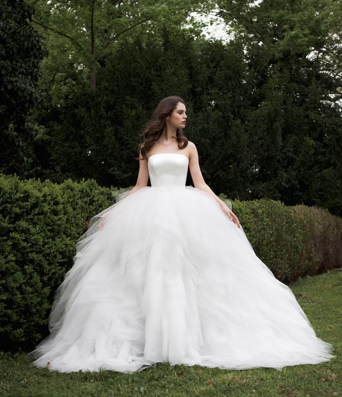 2 Be Couture Wedding Dress : Glamorous daalarna couture wedding dresses