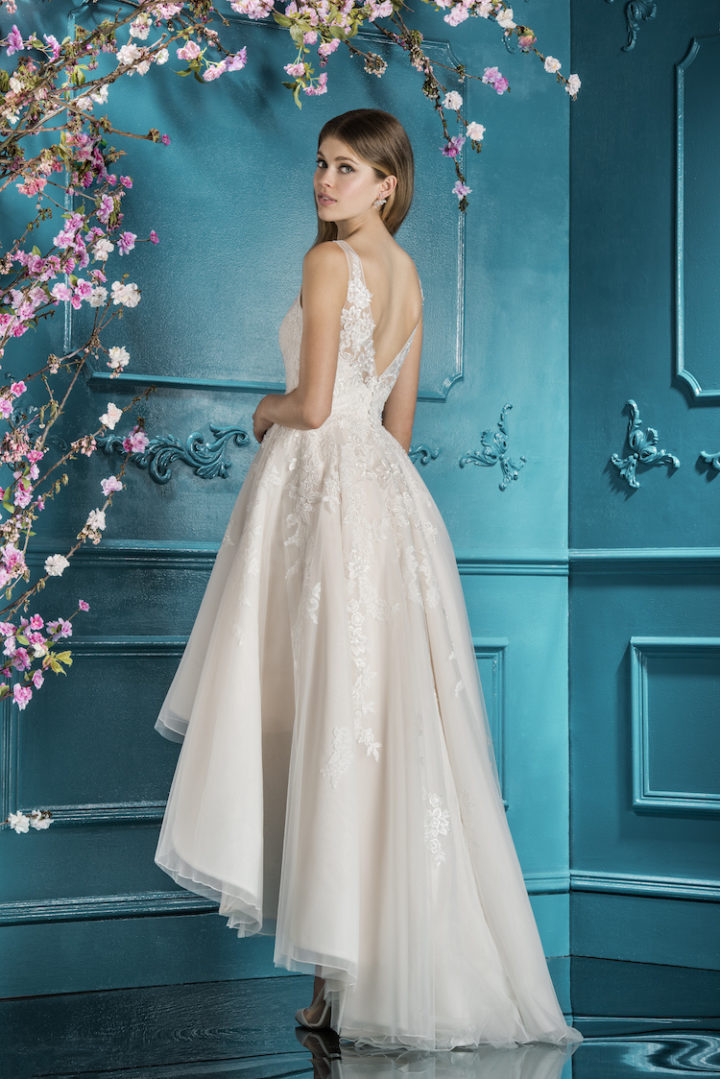 Classically Elegant 2018 Ellis Bridals Wedding Dresses