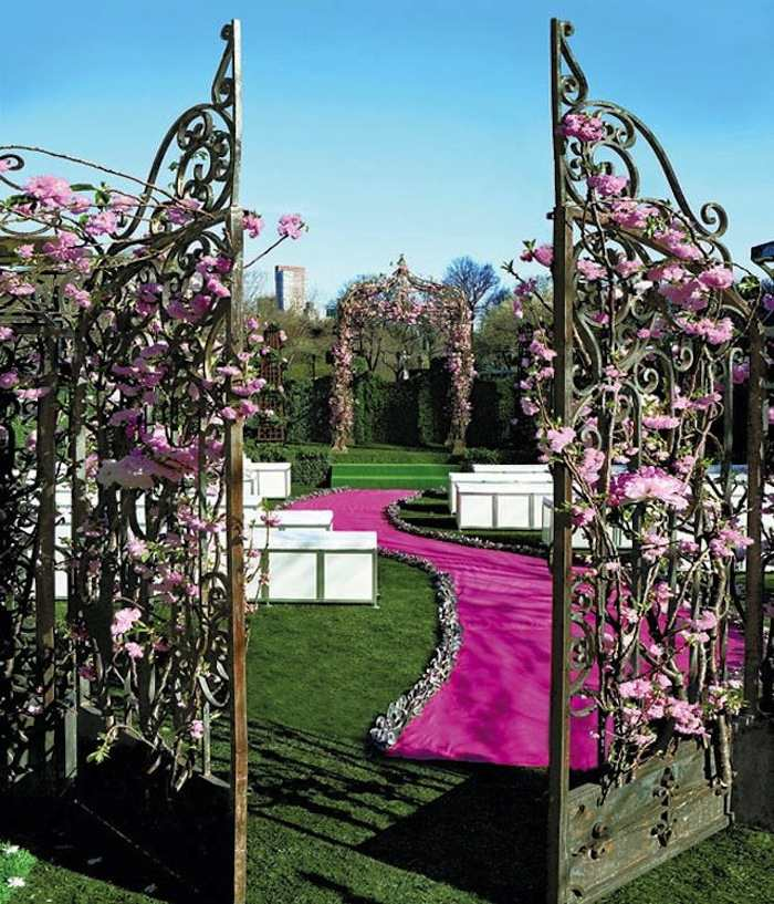 Romantic Garden Wedding Ideas In Bloom: Romantic Garden Wedding Ideas In Bloom