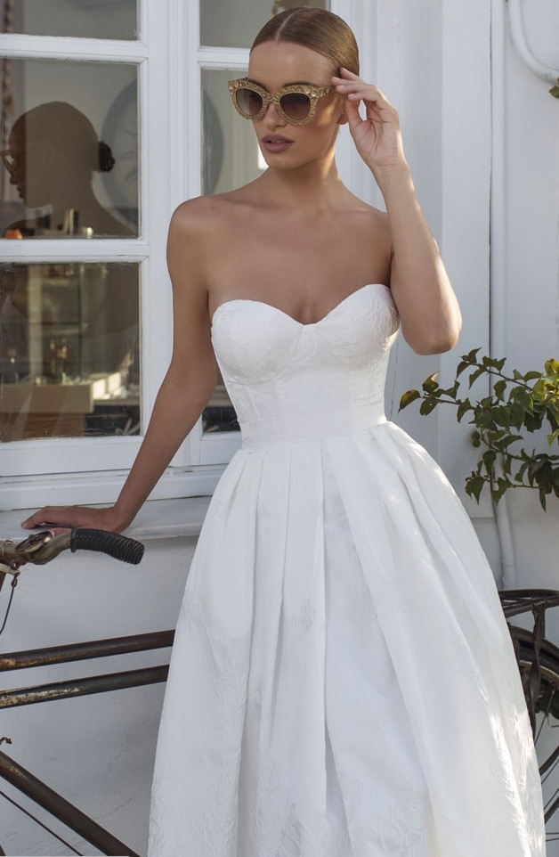 Glamorous julie vino wedding dresses modwedding for Modern wedding dresses 2016