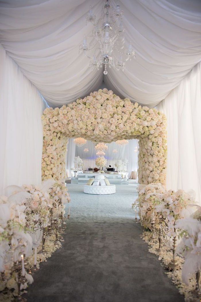 luxury-tent-wedding-ideas-1-09142015-km