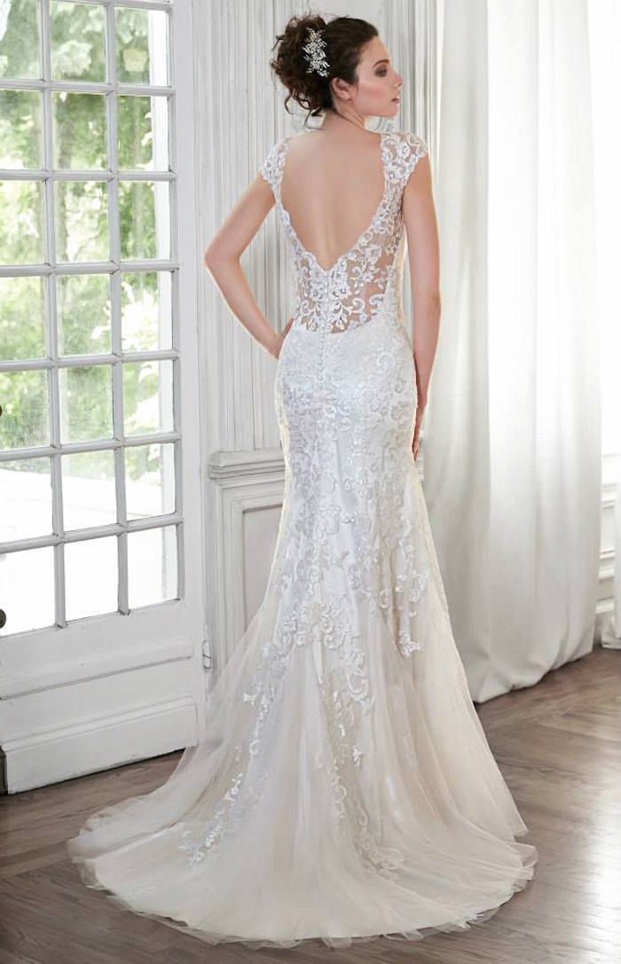 Maggie sottero wedding dresses collection modwedding for Who carries maggie sottero wedding dresses