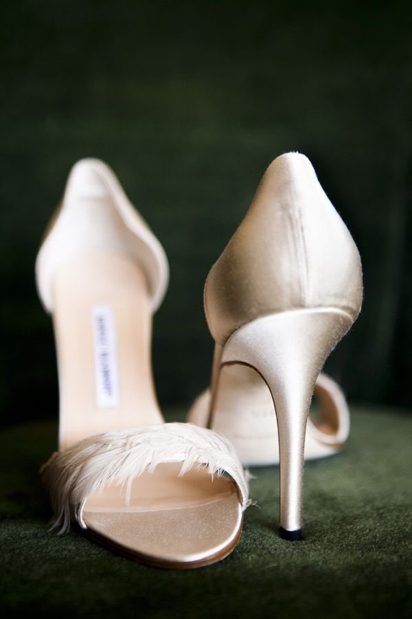 simple wedding shoes manolo blahniks to in every color modwedding 7524