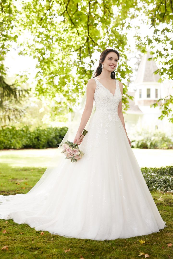 martina-liana-wedding-dresses-10-022517mc