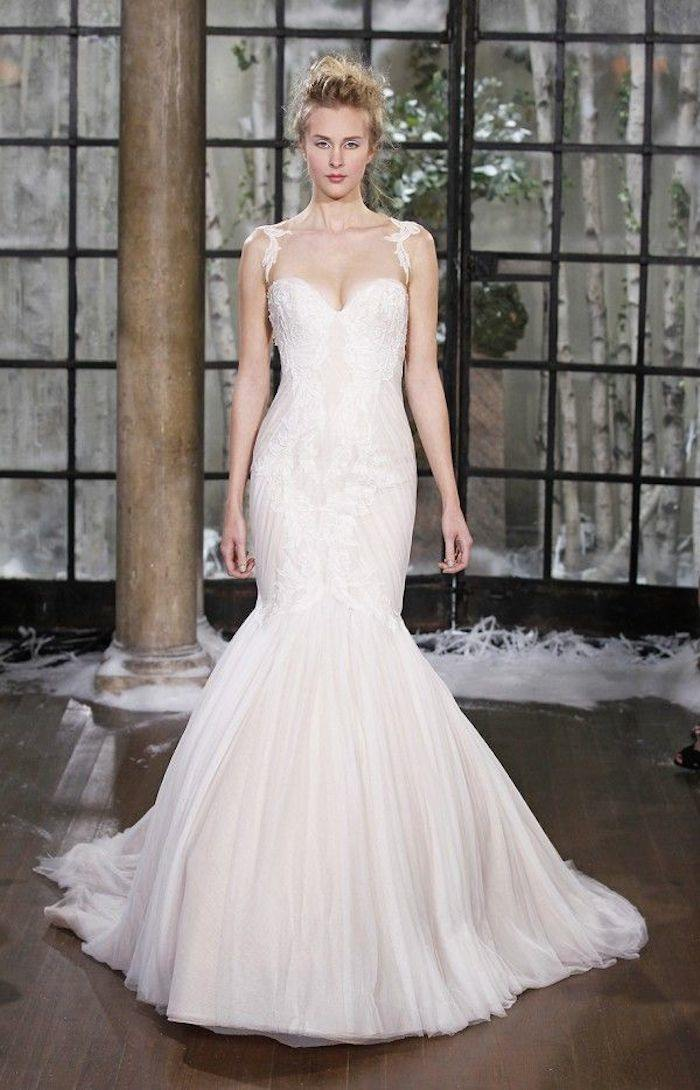 30 gorgeous most flattering wedding dresses for Wedding dress for flat chest