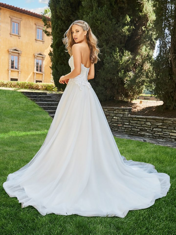 Classically Elegant 2018 Moonlight Couture Wedding Dresses - MODwedding