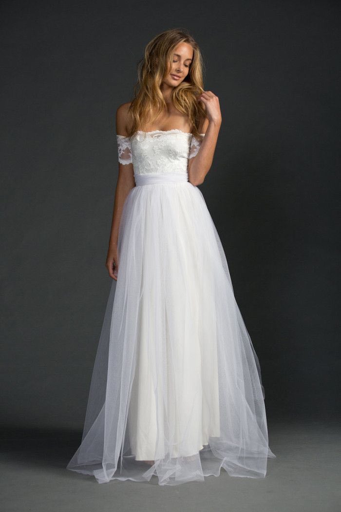 Sexiest off the shoulder wedding dresses modwedding for Off the shoulder beach wedding dresses
