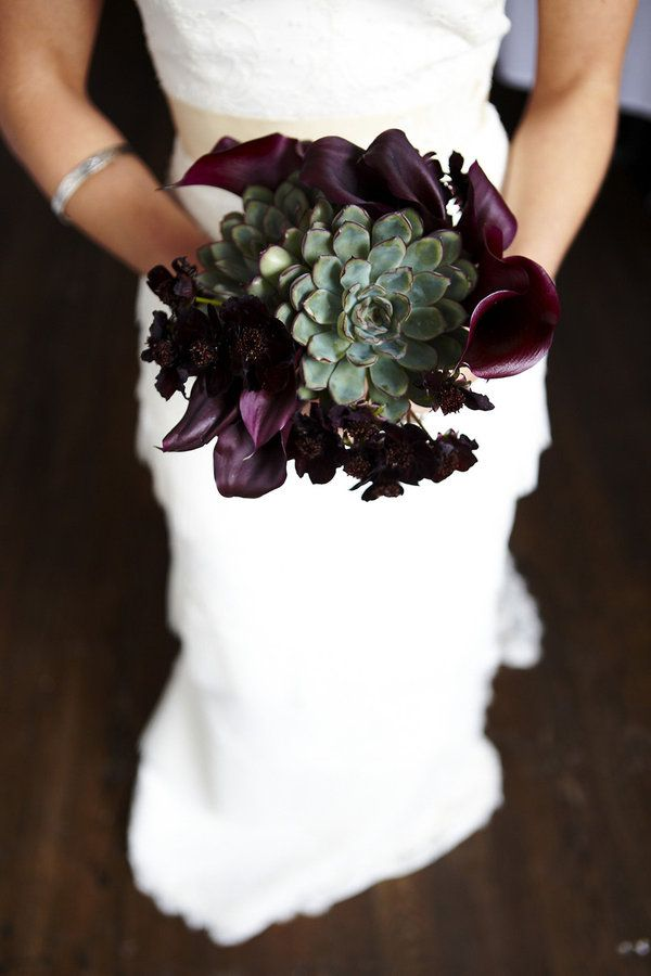 purple-wedding-bouquets-16-10122015-km