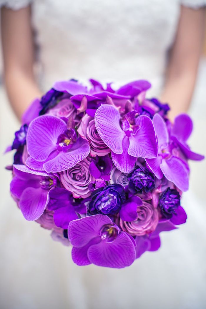 purple-wedding-bouquets-17-10122015-km