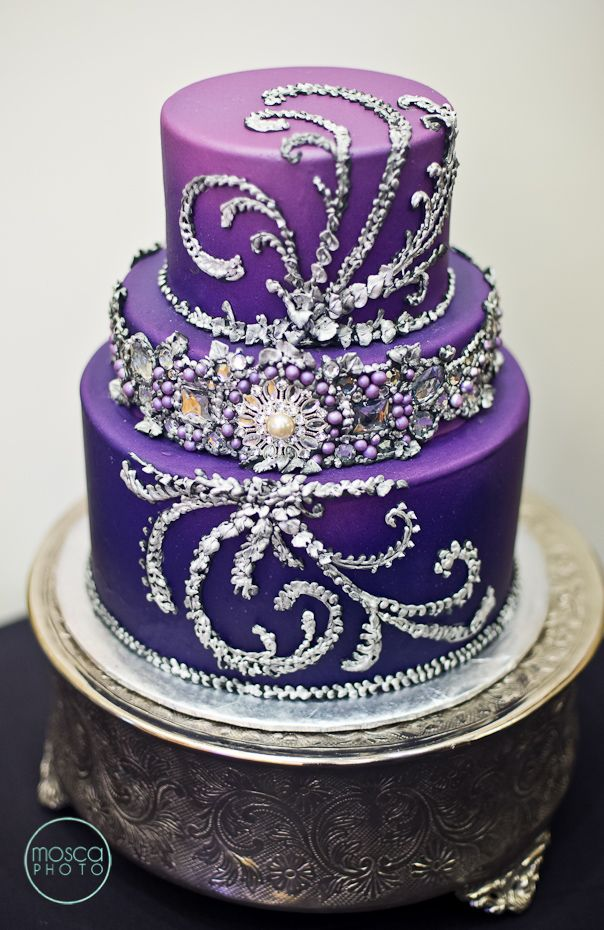 Images Of Purple Wedding Cake : Purple Wedding Ideas with Pretty Details - MODwedding