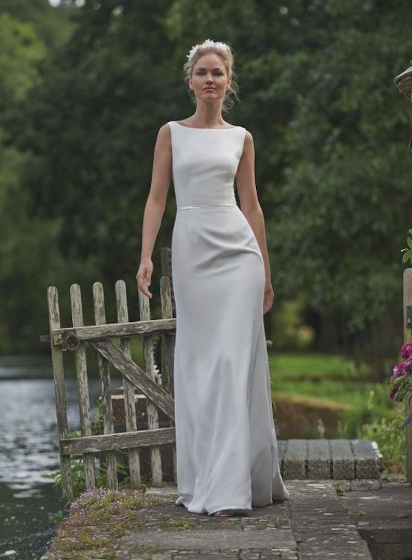 sheath-wedding-dress-10-091215ch