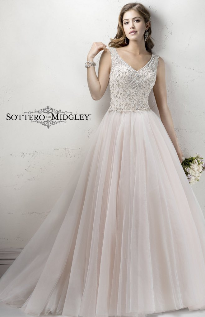 Wedding Dresses with Lace and Tulle Details - MODwedding