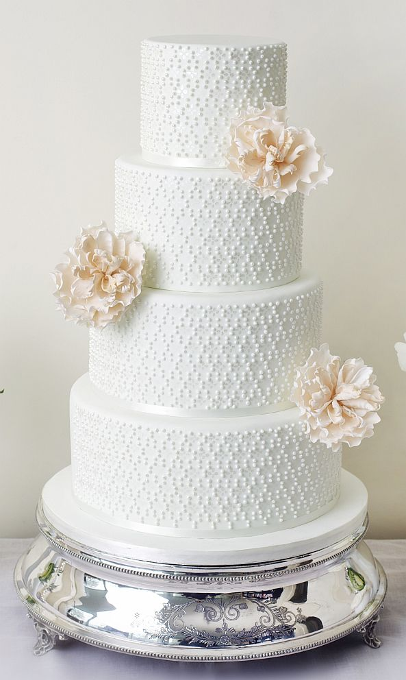 15 Creative Tiered Wedding Cakes - MODwedding