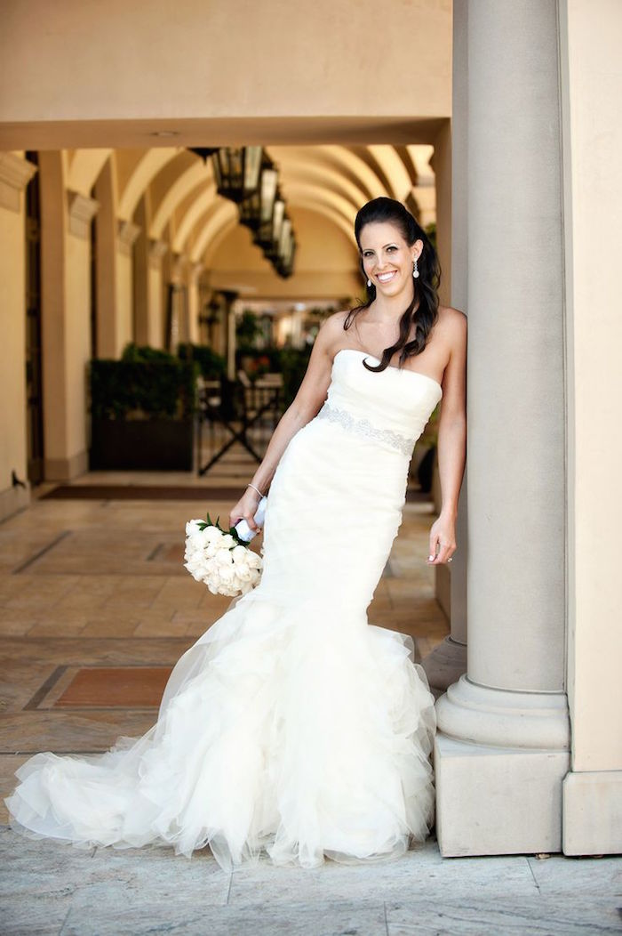 Vera wang wedding dresses part i modwedding for Vera wang princess ball gown wedding dress