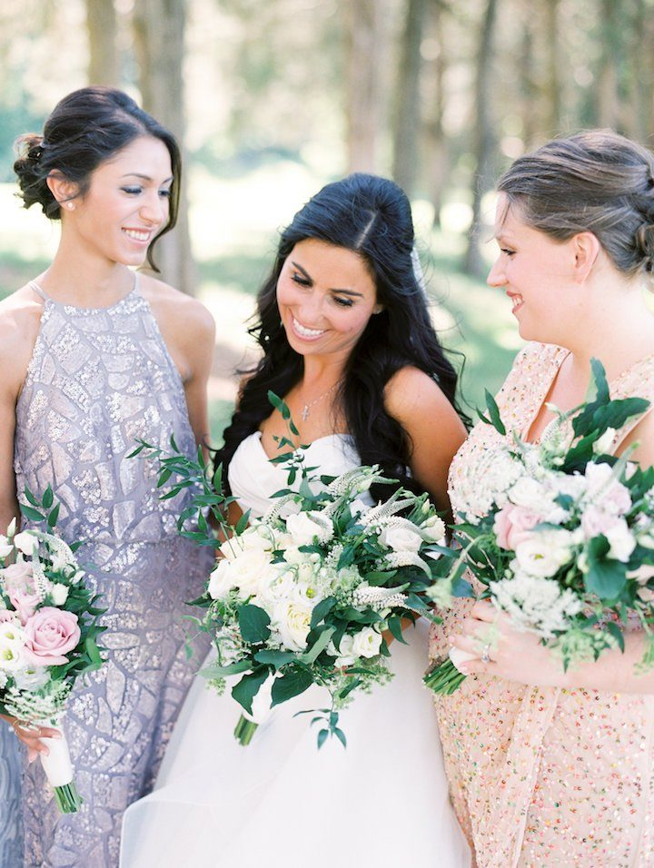 beautiful virignia wedding with lush greenery modwedding