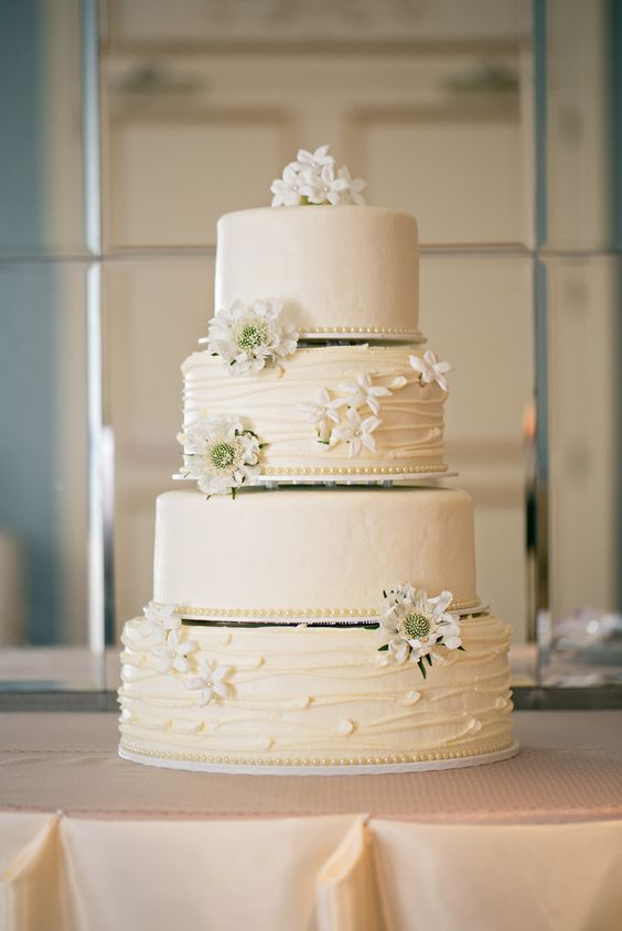 wedding-cakes-16-02152016-km