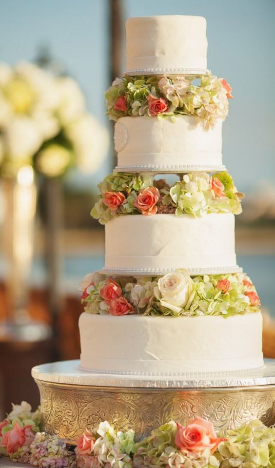 wedding-cakes-20-02192016-km
