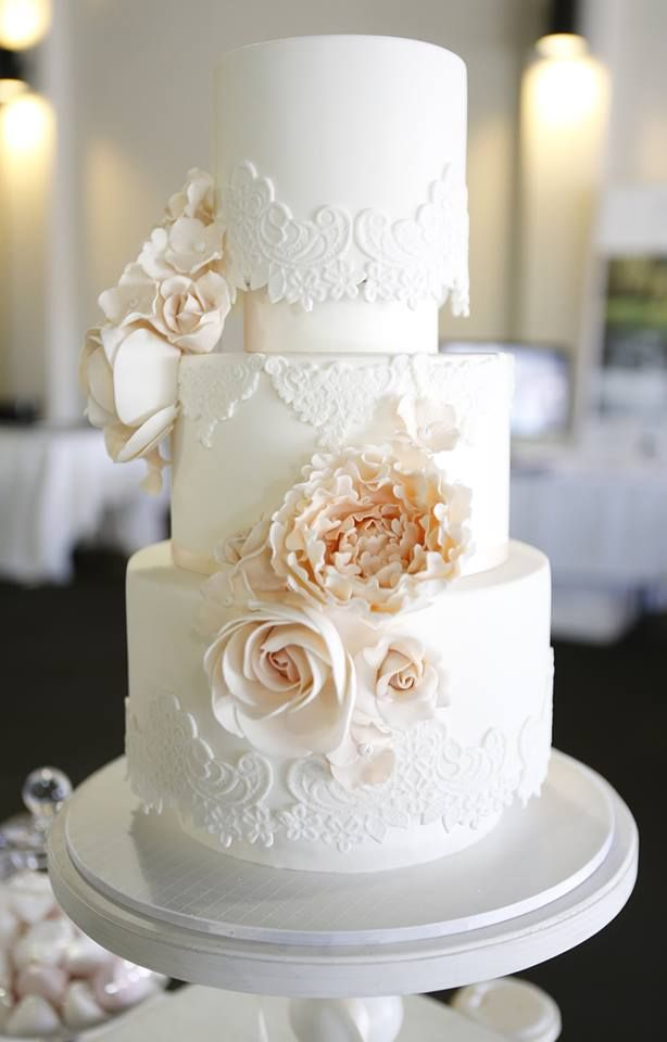 simple and beautiful wedding cakes wedding cakes that are elegantly simple modwedding 19922
