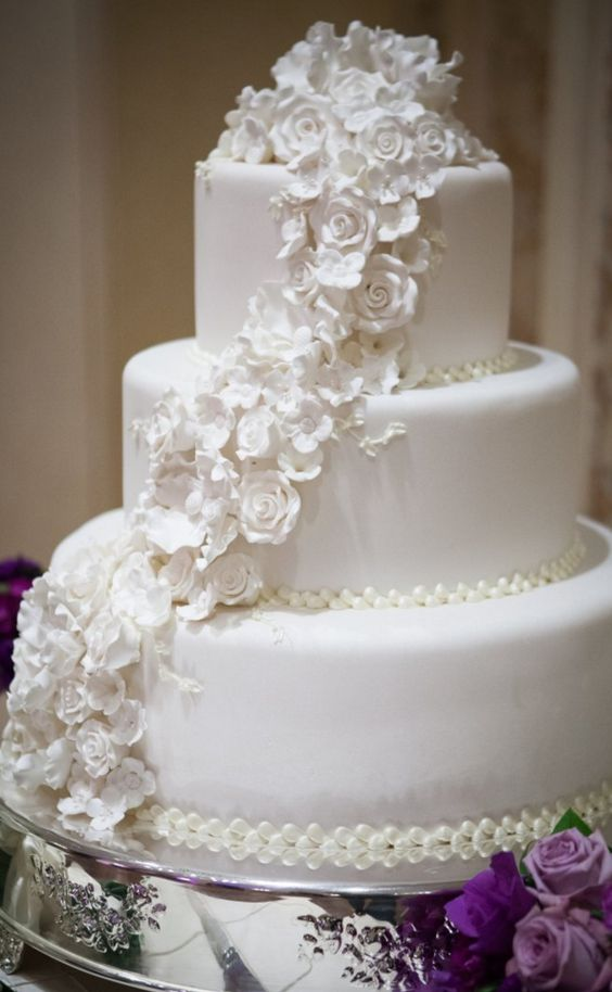 wedding-cakes-25-02192016-km