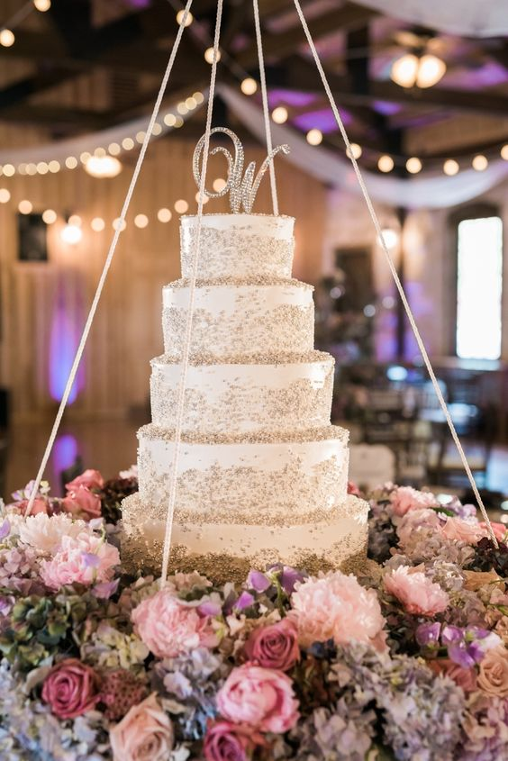 wedding-cakes-7-02152016-km