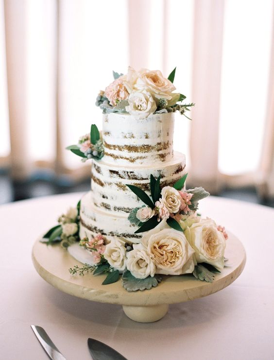 wedding-cakes-8-02152016-km