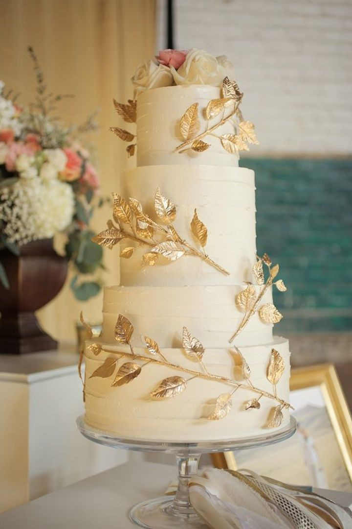 Gorgeous Wedding Cakes With Gold Details MODwedding - Gold Wedding Cakes
