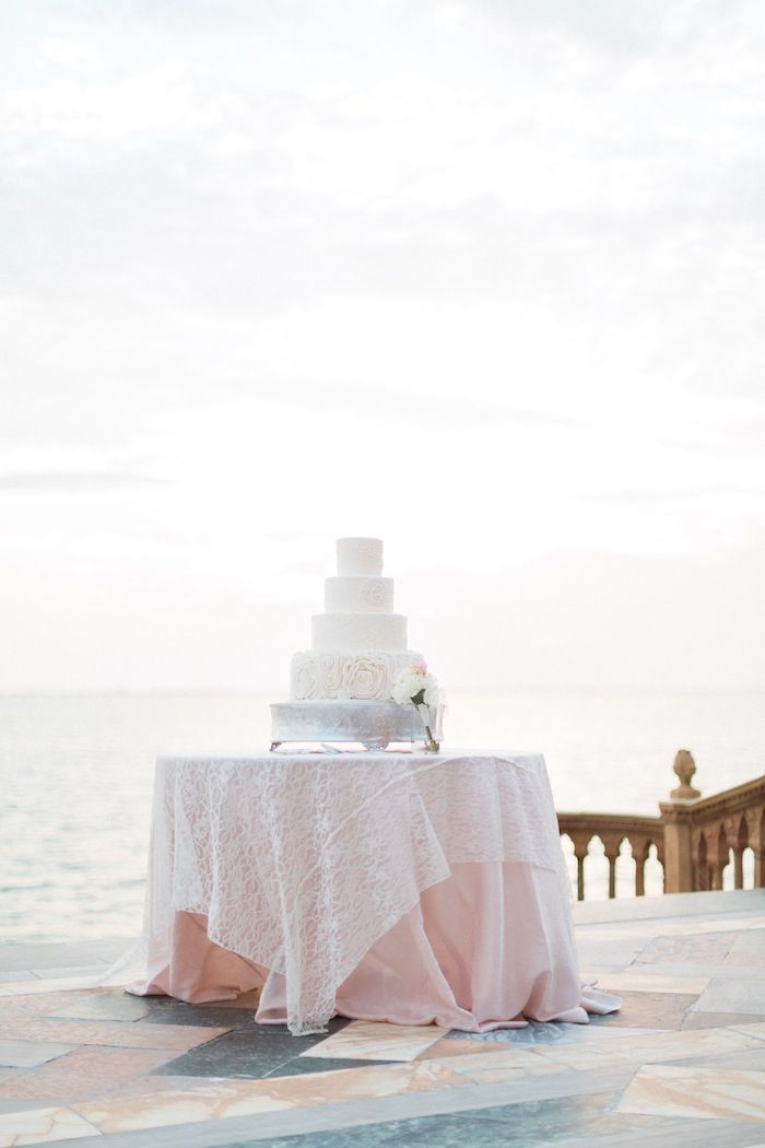 wedding-cakes-fl-08232015-ky3