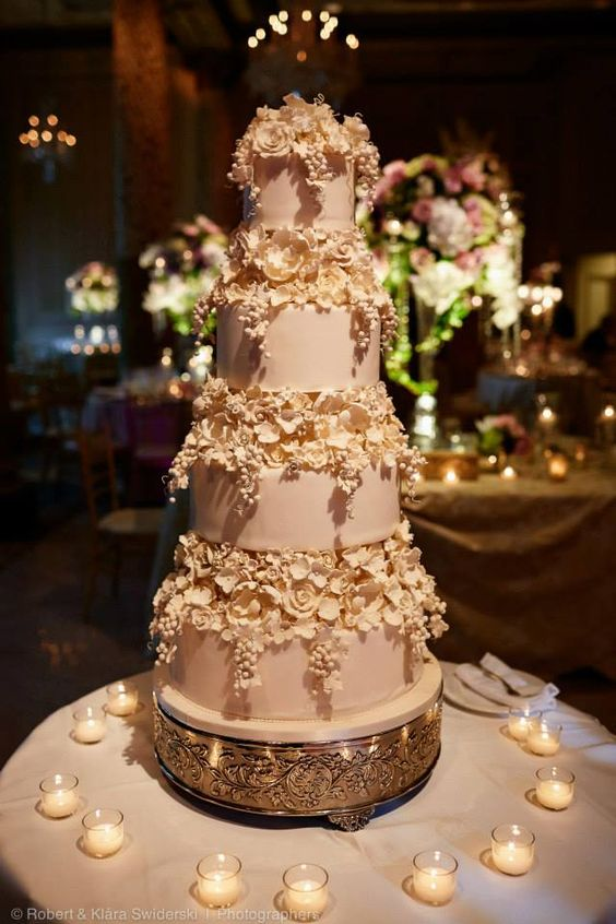 wedding-cakes2-23-01312016-km