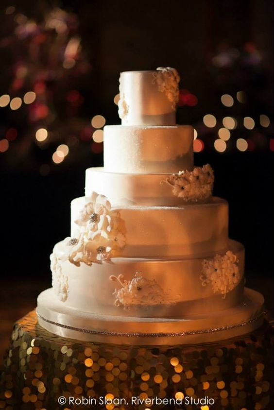 wedding-cakes2-24-01312016-km