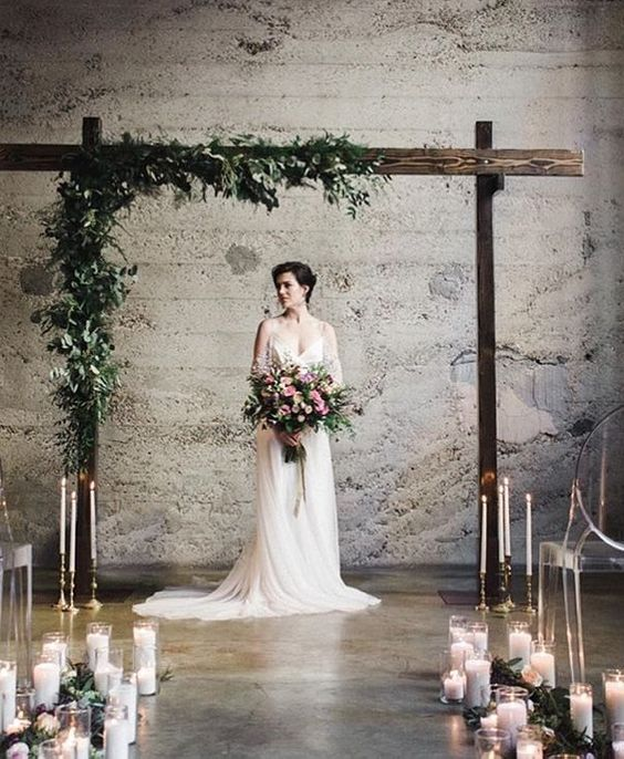 Indoor Wedding Themes: Rustic Indoor Wedding Ceremony