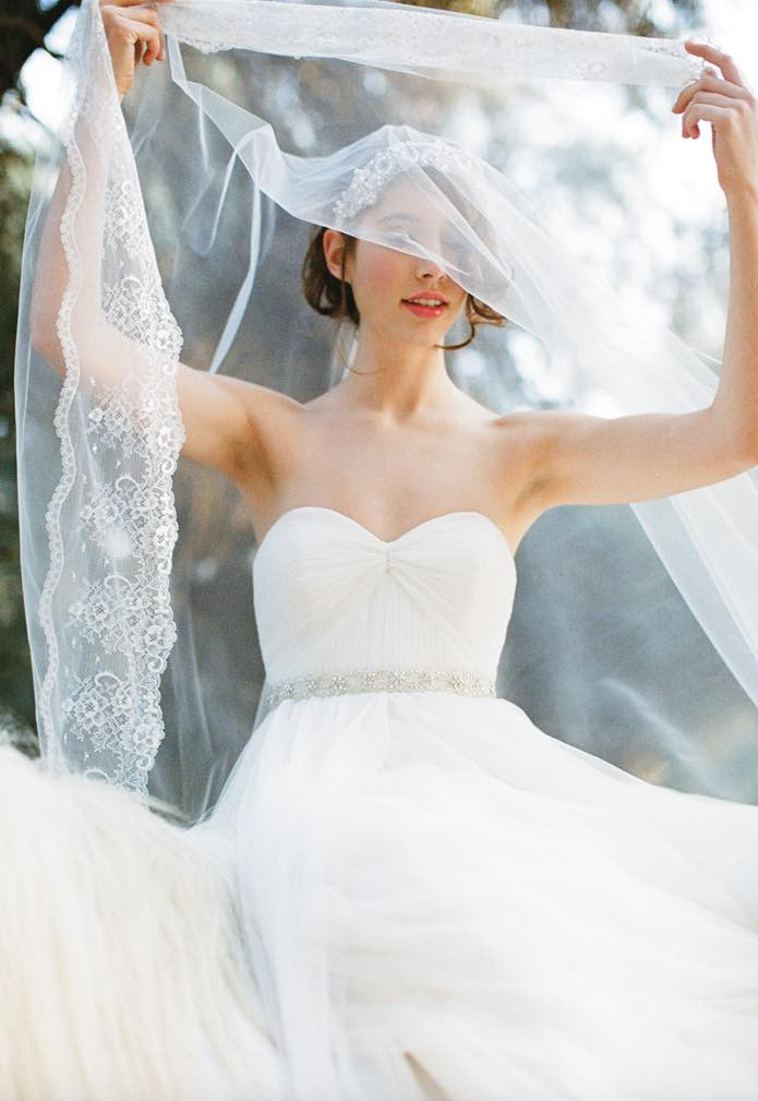 of 6 the last minute wedding day checklist wedding dress 1