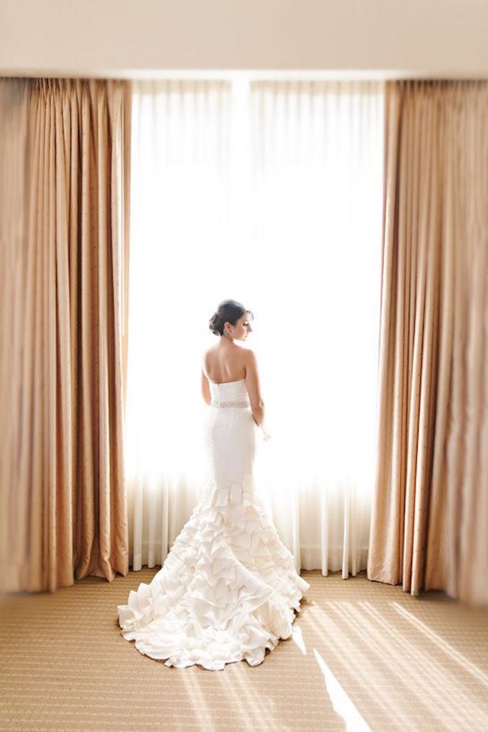 The guide to wedding dress rentals modwedding wedding dress rentals 5 091115ch junglespirit Images