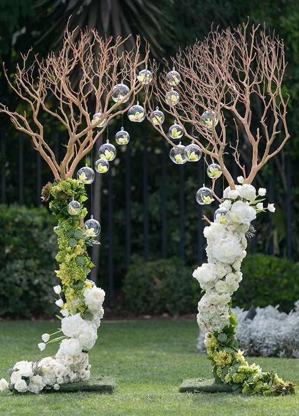 A Complete List of Wedding Flowers You May Need for Your ...